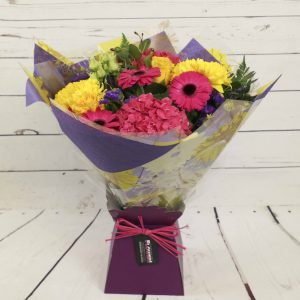 Churchview Flowers - Florist Choice Lily Free Bouquet